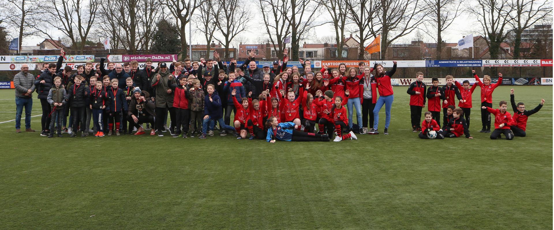 Permalink to: 15-02-2020: Pupil van de week Sven Koppenol, team van de maand JO13-2, huldiging winterkampioenen Door Jolanda van het Kaar